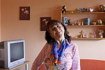 Čtyři medaile, z toho dvě stříbrné a dvě bronzové, si z letošních Světových letních speciálních olympijských her v Athénách přivezla Eva Kaňáková z Domova pro osoby se zdravotním postižením Javorník ve Chvalčově.