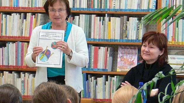 Školáci z Chropyně ilustrovali knihu