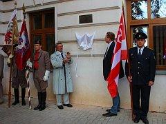 Ve středu 28. října 2015 v Kvasicích slavnostně odhalili pamětní desku olympionikovi Bedřichu Šupčíkovi.