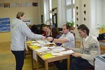 Druhý den voleb přišel na Kroměřížsku také velký počet lidí.