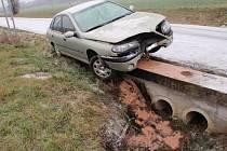 Ranní nehoda u Kotojed se neobešla bez zranění.