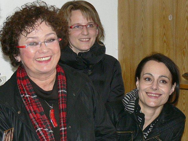 Ve Zborovicích se v sobotu 16. dubna 2011 konalo divadelní představení Herci jsou unaveni. Divákům se tak předvedl Václav Vydra, Jana Boušková, Vendula Křížová, Svatopluk Skopal či Martin Zahálka.