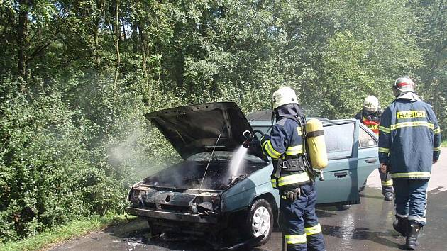 Požár auta u Kvasic.
