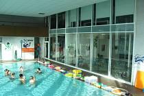 Kroměřížský plavecký bazén po rekonstrukci obnovil svůj provoz.
