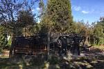 V Kroměřížské chatové kolonii shořela chata.