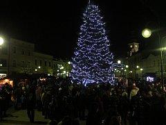 Vánoční strom v Holešově v roce 2014. Ilustrační foto
