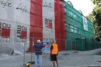 Město Holešov získalo grant na zateplení fasády a výměnu oken přístavby 1. Základní školy ve Smetanových sadech.