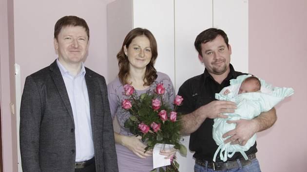 První Kroměřížankou v roce 2015 se stala Sára Mičáková. Přivítat ji přišel i starosta Jaroslav Němec.