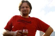 Doma vaří pivo a zkušenosti sdílí na akci Chmelovárek v Kostelci u Holešova.
