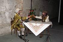 Na zámku v Holešově ukončili sezonu nočními prohlídkami s kostýmovanými průvodci.