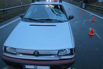 Hned dvě auta srazila v sobotu v noci u Kroměříže chodce: zatímco první řidič zastavil, druhý z místa ujel.