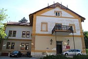 Emila Kozánka v jeho domě navštěvovala republiková smetánka, jako byli Antonín Dvořák, nebo Ema Destinová.