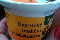 I výrobce z Bystřice pod Hostýnem musel u svého pomazánkového másla ustoupit od původního názvu a vynechat kvůli směrnicím Evropské Unie na obalu slovo máslo – nově tedy obal nese jen nápis Bystřické tradiční pomazánkové.