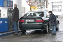 Že ceny benzinu koncem února (2009) předčily ceny nafty, se mohli přesvědčit i řidiči na čerpací stanici Robin Oil v Kroměříži.