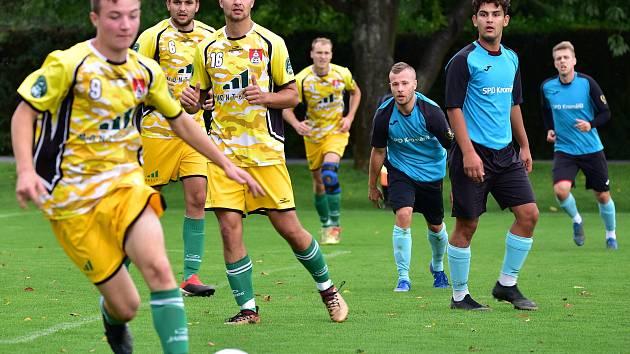 Rezerva fotbalistů Skaštic porazila doma Břest (ve žlutém) 3:0.