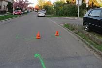 Do Bílanské ulice v Kroměříži museli ve středu navečer vyrážet policisté: při nehodě se tam naštěstí jen lehce zranil třináctiletý cyklista.