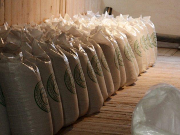 Výroba tradičního českého výrobku – humnového sladu v Záhlinicích je světovým unikátem.