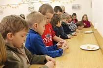Muzeum Kroměřížska nabízí do 17. dubna Velikonoční program pro mateřské školy a žáky prvního stupně. Navštívily ho například děti z Mánesovy mateřské školy z Kroměříže.
