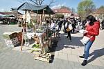 Farmářské trhy na Hanáckém náměstí v Kroměříži; sobota 24. dubna 2021