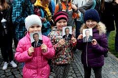 V Holešově přišly na setkání s prezidentem stovky lidí.