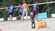 Benefiční turnaj Kola pro Afriku na kroměřížských beachvolejbalových kurtech na Bajdě