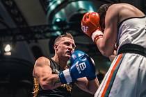 Devětadvacetiletý boxer Miroslav Šerban je amatérským mistrem republiky.