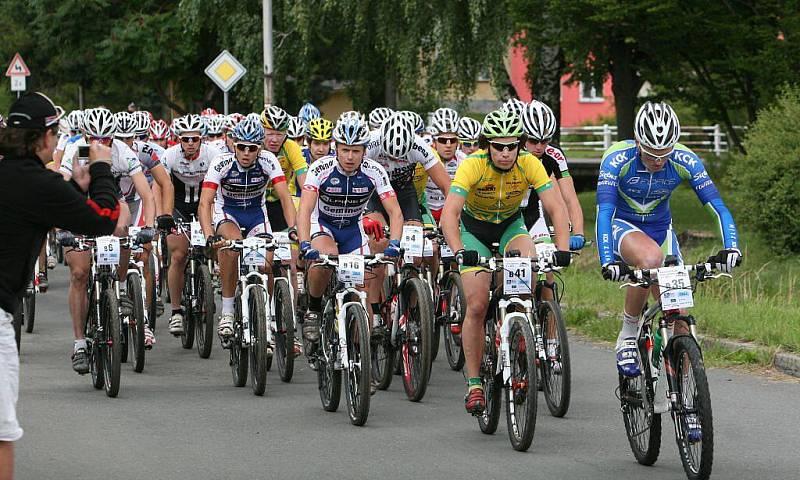 V sobotu se jel přes Hostýnské vrchy 18. ročník bikemaratonu Drásal. V hlavním závodu dlouhém 115 kilometrů s převýšením 3200 metrů vyhrál Jan Hruška. Kratší verzi Drásala o délce 53 kilometrů zvolilo 616 cyklistů. Zvítězil Petr Dlask.