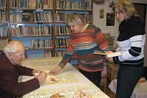 V knihovně ve Chvalčově se 1. 3. 2008 uskutečnila beseda se spisovatelem z Bystřice pod Hostýnem Pavlem Hejcmanem.