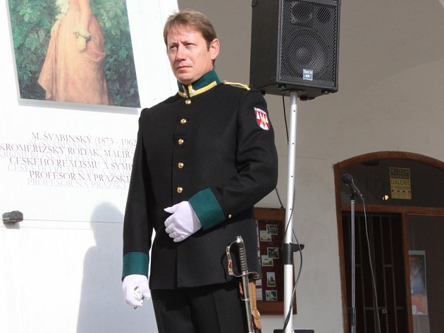Kroměřížští ostrostřelci v sobotu slavnostně vysvětili svůj prapor. Oslavili tak 340 let od první zmínky o tomto souboru a také jeho současné znovu obnovení.