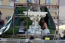 Kašnu na Velkém náměstí během prázdnin opraví.