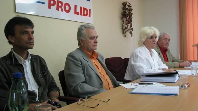 Tisková konference OV KSČM.