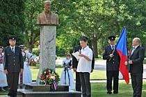 V Břestu mají novou bustu T. G. Masaryka před tamní Základní školou. Slavnostní odhalení se uskutečnilo 11. června.