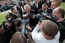 Návštěva prezidenta Miloše Zemana. Návštěva firmy TON a setkání s občany Bystřice pod Hostýnem.
