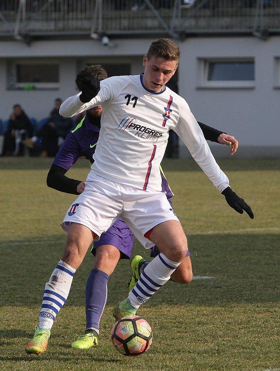 Brněnský odchovanec Filip Smrčka (na snímku) v zimě zamířil z Líšně do Hulína. Spartaku chce pomoct k záchraně ve třetí lize.