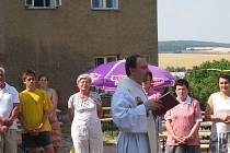 Ve čtvrtek 3. července 2008 posvětil Josef Vysloužil, farář ze Zborovic, nový byt pro nového kaplana ve Zdounkách. Zároveň vysvětil i zrekonstruované prostory fary.