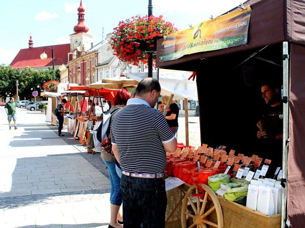 V Holešově prodávali farmářské a řemeslné výrobky.