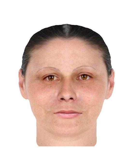Neznámá žena okradla ve středu jednasedmdesátiletou seniorku z Kroměříže a hledá ji policie. Měla okolo třiceti let, je asi 168 centimetrů vysoké silnější postavy. Na sobě měla bílý pánský nátělník a mluvila česky bez přízvuku. Informace mohou lidé sdělit