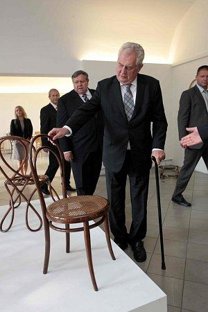 Návštěva prezidenta Miloše Zemana. Návštěva firmy TON a setkání sobčany Bystřice pod Hostýnem.
