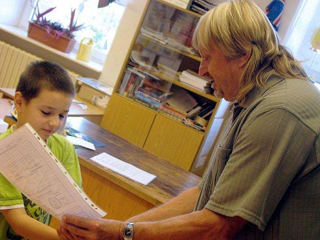 Ve středu 30. června 2010 dostaly děti z Mateřské a Základní školy Kostelany vysvědčení.