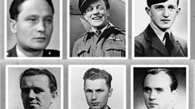 Šestice příslušníků RAF spojených s Holešovem se v sobotu 11. listopadu dočká pamětní desky na budově 1. základní školy: zleva: Jan Hein, Robert Ossendorf, Karel Bednařík, Karel Valášek, Jaroslav Chmelík a Josef Hrůza.