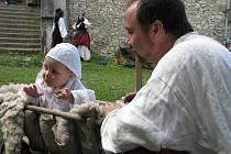 Na kurovickou tvrz přijeli v sobotu 4. června 2011 mušketýři. Konal se tam také Den dětí.
