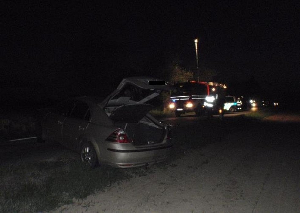 Srážku dvou osobních aut museli v sobotu 2. května navečer řešit policisté a hasiči ve Střížovicích na Kroměřížsku.