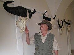 V prostorách zámku v Chropyni byla 7. 6. 2008 zahájena výstava trofejí dutorohých zvířat, jejímž majitelem je Jaroslav Šmíd z Kroměříže.