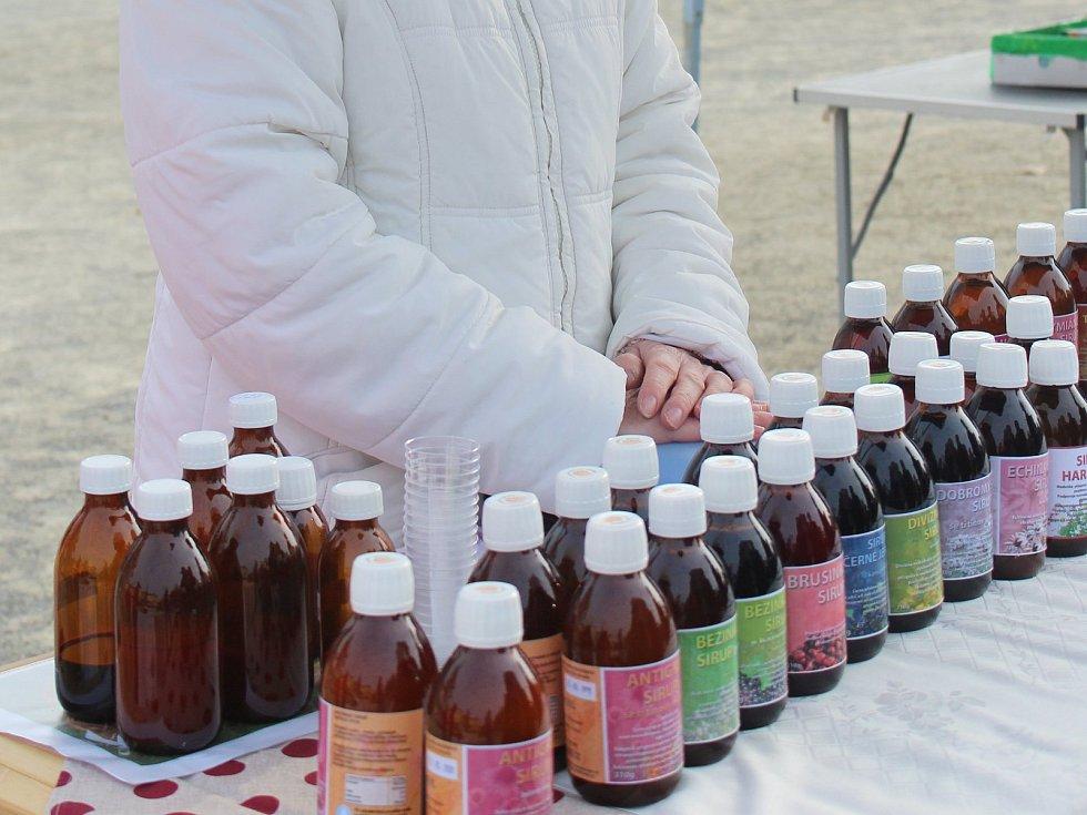 LIDEM NABÍZÍ ŠIROKOU ŠKÁLU BYLINNÝCH SIRIPŮ. Sirupům byl udělen Certifikát značky HANÁ - regionální produkt.