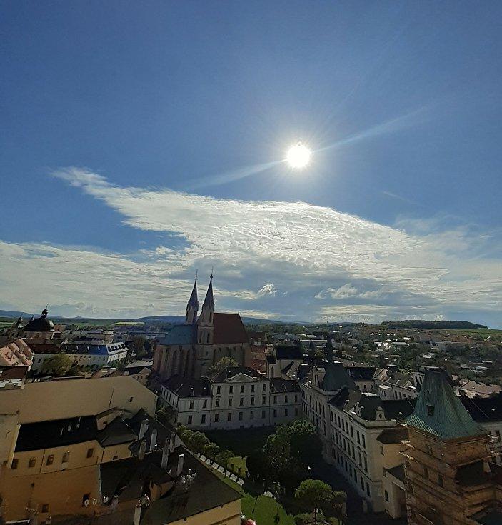 Výhled na Kroměříž z věže Arcibiskupského zámku