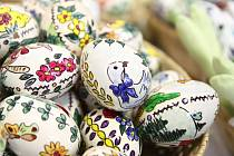 Velikonoční kraslice mohou mít různé motivy a dekorování.