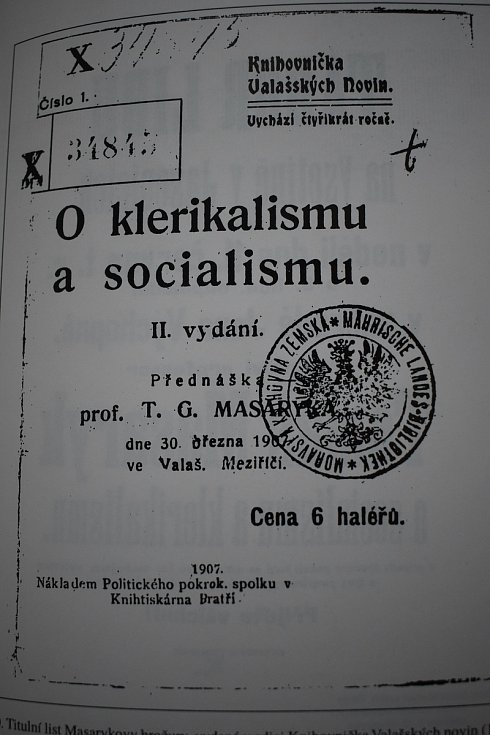 Titulní list Masarykovy brožury, vydané v edici Knihovnička Valašských novin.