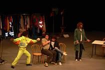 Se známým televizním pořadem Partička přijeli do kroměřížského Domu kultury jeho protagonisté. Ve dvou vyprodaných představeních herci dívákům převedli své umění improvizace.
