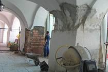 Oprava Církevní školy na Velkém náměstí v Kroměříži. Financovaná z Programu regenerace.