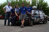 Měsíc a půl na cestě, osm projetých zemí, 24 navštívených měst, 14 000 kilometrů, nespočet náhradních součástek: to vše má za sebou dvojice moravských skautů Aleš Cahlík a Jakub Pejcal.